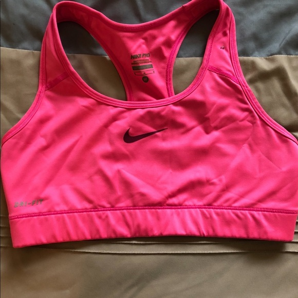 Hot Pink Nike Sports Bra   Poshmark